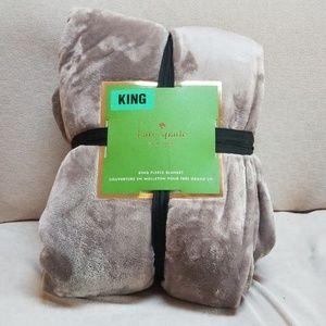 NWT Kate Spade King Fleece Blanket